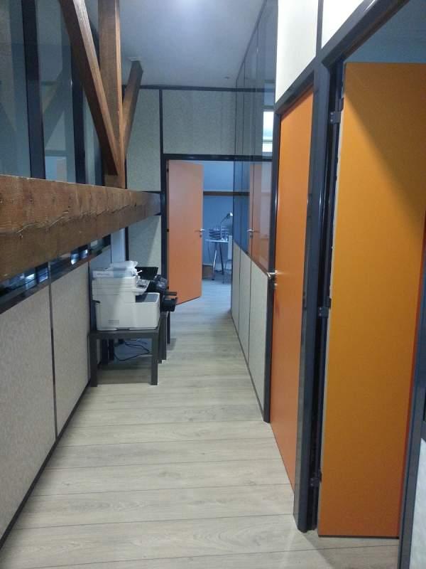 cloison de bureau amovible vitree semi vitree pleine sur aix en provence avignon classotech. Black Bedroom Furniture Sets. Home Design Ideas