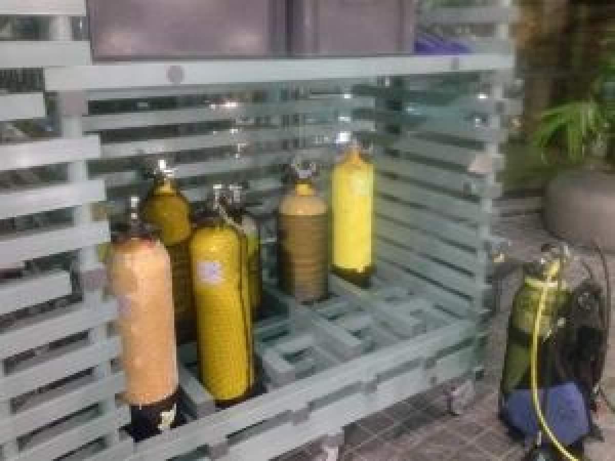 Rayonnage et rangement resine plastique pour piscine et for Piscine plastique